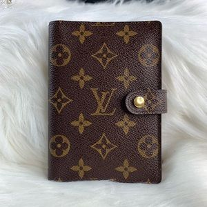 Loui Vuitton Agenda Diary PM with ruler and paper